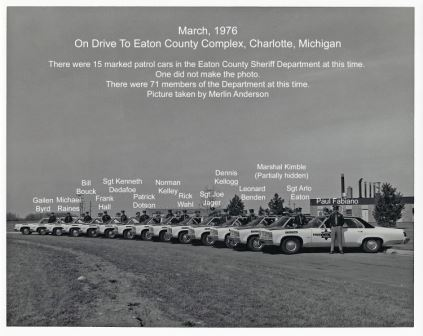 March 1976 Staff with their patrol cars